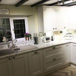 colours for small kitchen designs