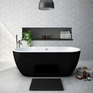 Black bathroom fittings